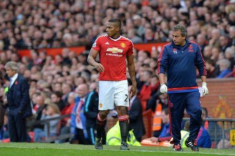 Mourinho nhan them tin du ve hang thu - Anh 1