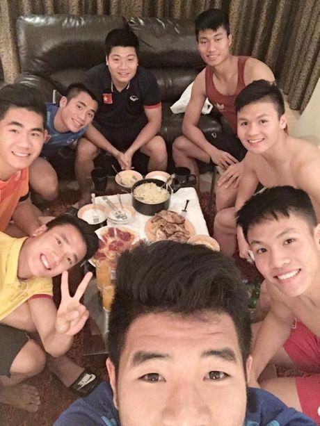 'Nhoi long' truoc bua com cua U19 Viet Nam - Anh 7