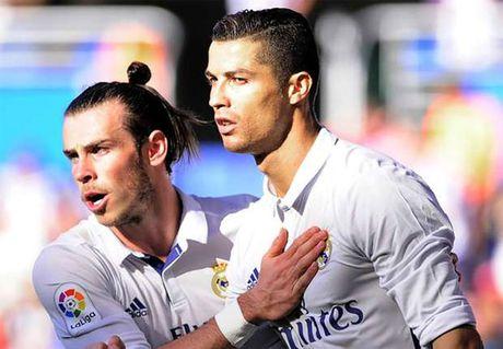 Ronaldo lap hat-trick, giai cuu Real - Anh 1