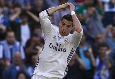 THONG KE: Ronaldo co thanh tich da phat den cuc ky ba dao - Anh 2
