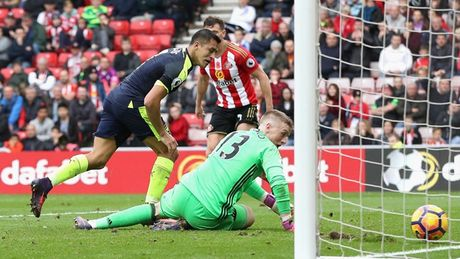 Toan canh chien thang huy diet cua Arsenal truoc Sunderland - Anh 11