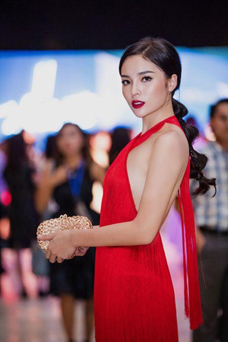 Hoa hau Ky Duyen dien dam do khoe lung tran quyen ru - Anh 8