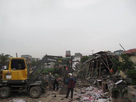 Hien truong vu no binh gas o Thai Binh khien nhieu nguoi thuong vong - Anh 1