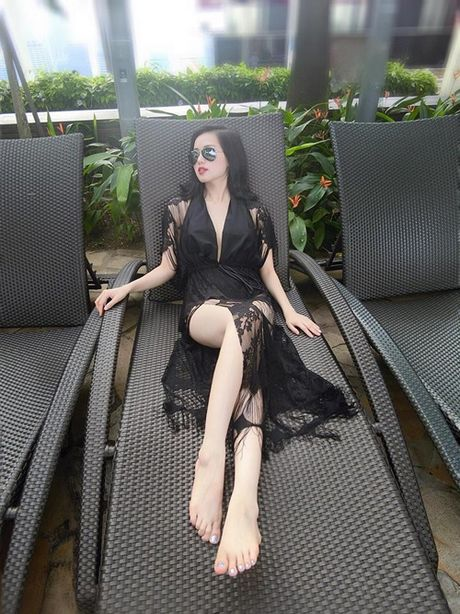 Elly Tran va 3 'me bim sua' sexy dep nhat nhi lang giai tri - Anh 5