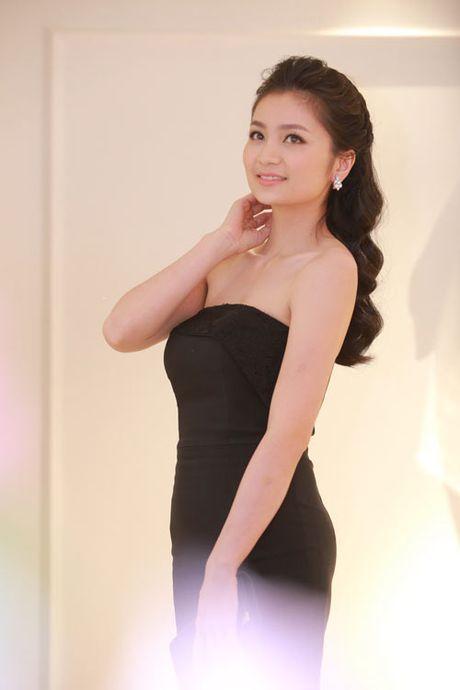 Vu Thu Phuong khoe them nguc day qua sexy voi vay tre - Anh 8