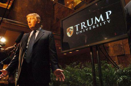 Nhin lai nhung buc hinh ve ung vien Donald Trump - Anh 11