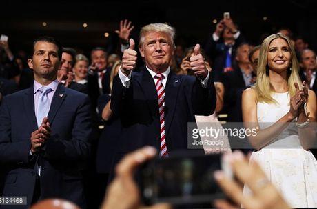 Nhin lai nhung buc hinh ve ung vien Donald Trump - Anh 2