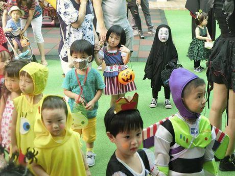 Be gai hoa trang quy Vo dien hot nhat mang Viet dip Halloween - Anh 7