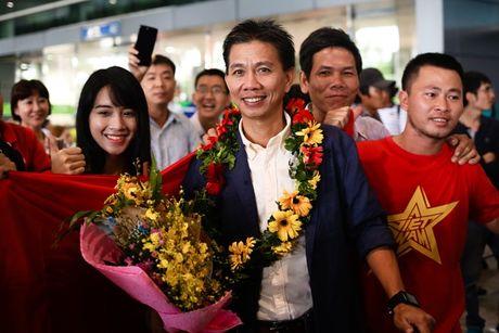 U19 Viet Nam duoc NHM don tiep nhu nguoi hung - Anh 3