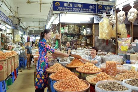 Hoa hau My Linh, A hau Thanh Tu nhay flashmob cung hang nghin ban tre - Anh 9