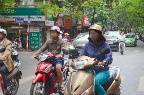 Nguoi dan Ha Noi co ro trong cai ret dau mua - Anh 4