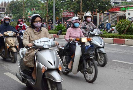 Nguoi dan Ha Noi co ro trong cai ret dau mua - Anh 6