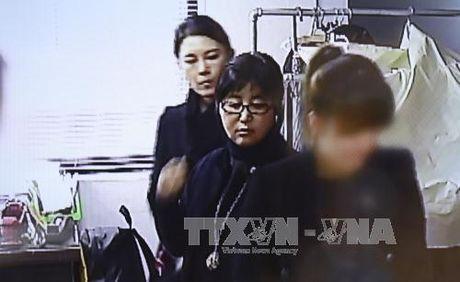 Bi an xung quanh nguoi ban than khien ba Park Geun Hye dieu dung - Anh 1