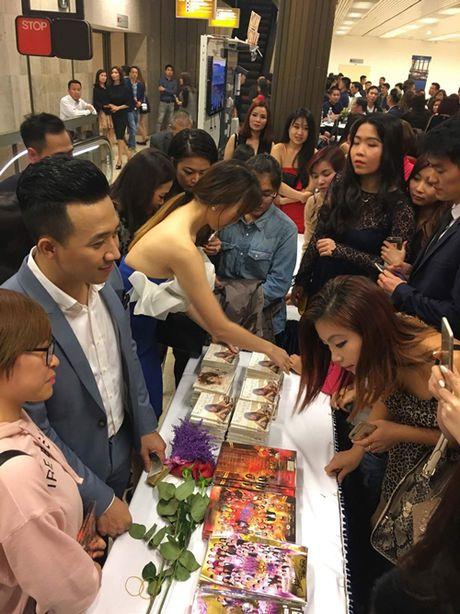 Tran Thanh - Hari Won tiep tuc vuong tin don lam dam cuoi ngay 25/12 - Anh 10
