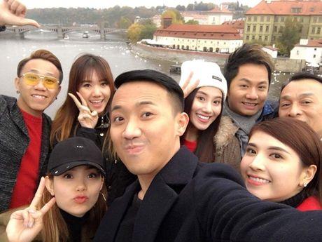 Tran Thanh - Hari Won tiep tuc vuong tin don lam dam cuoi ngay 25/12 - Anh 7