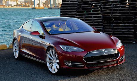 Sung so truoc toc do nuoc rut cua 'sieu xe' Tesla Model S P100D - Anh 1