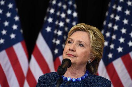 He lo bi mat 'be phong' giup quy tranh cu ba Hillary dat 1 ty USD - Anh 2