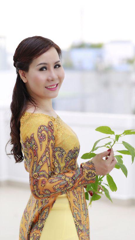 Nu hoang Kim Chi dep mong manh voi ao dai cach tan - Anh 3