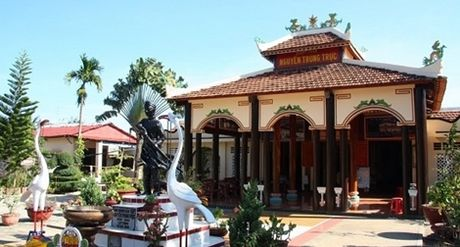 Khanh thanh dinh Nguyen Trung Truc tai Phu Quoc - Anh 1