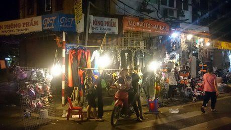 Halloween ngay cang duoc Viet hoa tren duong Ha Noi - Anh 3