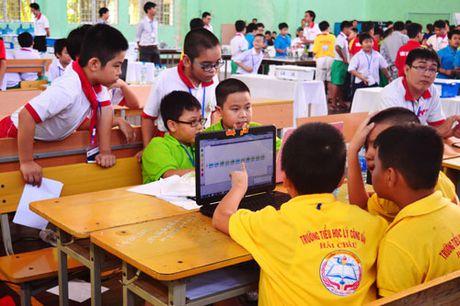 Hon 200 thi sinh tham gia ngay hoi Robothon 2016 tai Da Nang - Anh 3