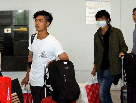 Tuan Anh, Cong Phuong duoc nguoi Nhat gia han nhung bau Duc lac dau - Anh 1