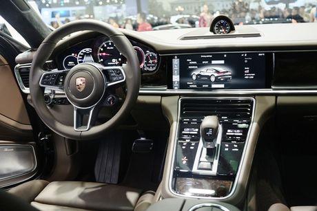 Porsche Panamera Turbo noi bat giua 'san choi' xe nhap - Anh 7