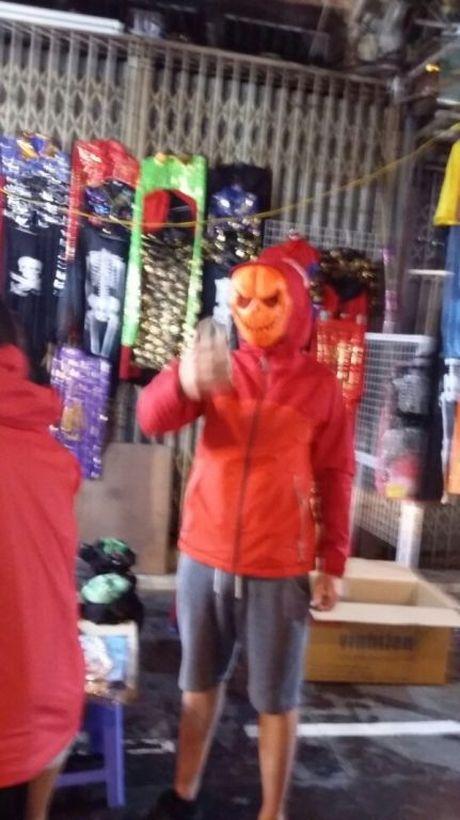 Gioi tre don Halloween som tai pho di bo Ho Guom - Anh 10