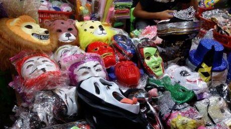 Gioi tre don Halloween som tai pho di bo Ho Guom - Anh 13