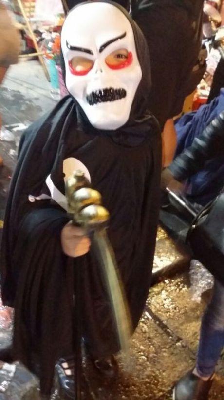 Gioi tre don Halloween som tai pho di bo Ho Guom - Anh 22