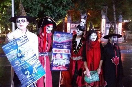 Gioi tre don Halloween som tai pho di bo Ho Guom - Anh 3