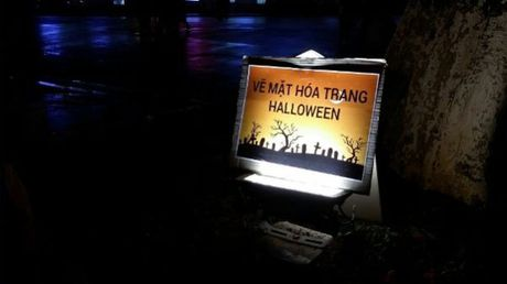 Gioi tre don Halloween som tai pho di bo Ho Guom - Anh 5