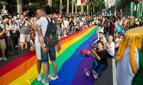 Dai Loan: 80.000 nguoi tham gia le dieu hanh tu hao dong tinh - Anh 3