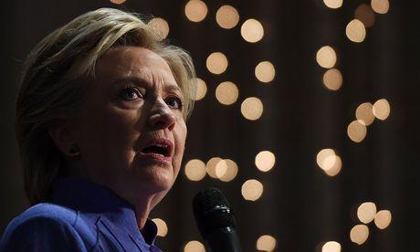 Clinton mat diem khi FBI 'xoi' lai vu email - Anh 1