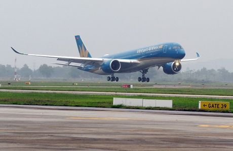 Vietnam Airlines nhan them sieu may bay Airbus A350 - Anh 1