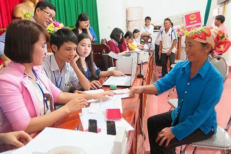 Ha Tinh chi tra boi thuong cho ngu dan bi thiet hai do su co moi truong bien - Anh 1