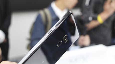 Cham vuot Xiaomi Mi MIX - smartphone khong vien cuc sexy - Anh 12