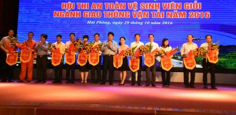 Be mac Hoi thi An toan ve sinh vien gioi 2016 - Anh 1