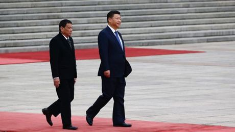 Philippines chiu thiet hai ra sao sau tuyen bo 'chia tay' My cua Tong thong Duterte? - Anh 2