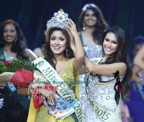 Nguoi dep Ecuador bi to ngu voi nha tai tro de gianh giai Hoa hau tai Miss Earth - Anh 1