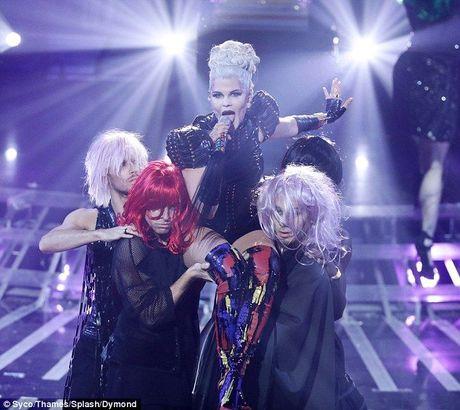 'Zombie' dong loat do bo khien giam khao X-Factor hoang loan khong ngung - Anh 14