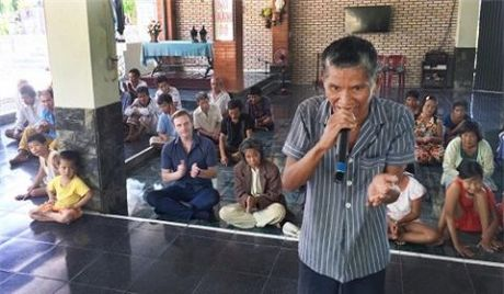Tin nong showbiz: Dieu Ngoc bi to phau thuat tham my, Minh Beo sap ve Viet Nam? - Anh 10