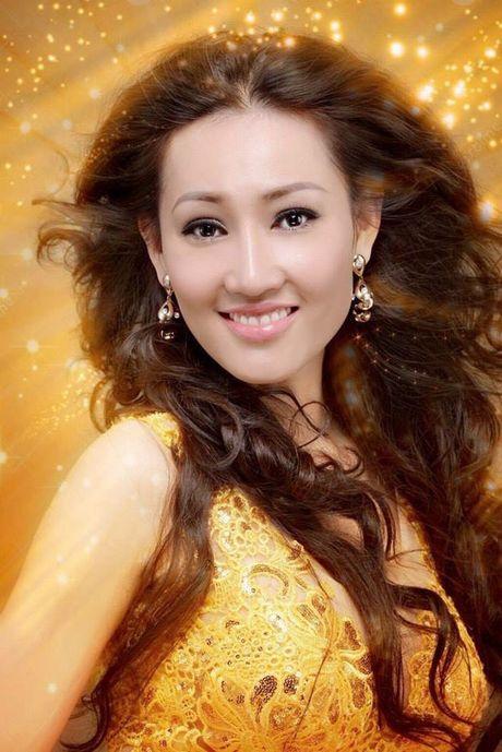 Tracy Hang Nguyen - nhan sac goc Viet dac biet nhat tai Mrs. World 2016 - Anh 5