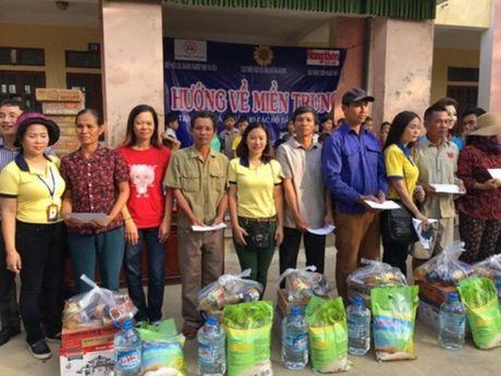CD Cty TNHH TM Thien Phong (Taxi Thanh Cong, Ha Noi): Trao 526 suat qua tai tinh Ha Tinh - Anh 1