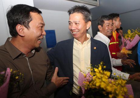 U.19 Viet Nam duoc chao don nhu nhung nguoi hung - Anh 2
