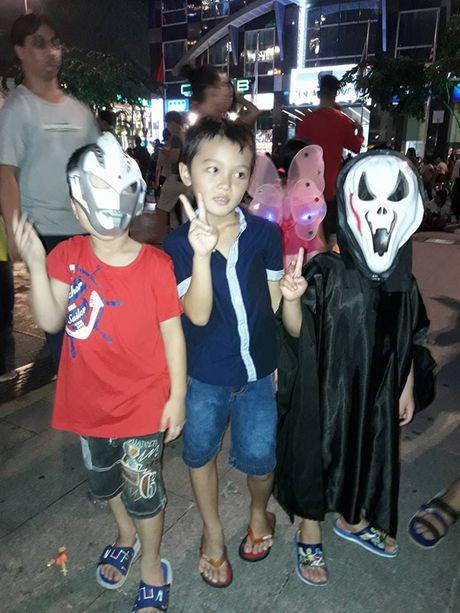 Ngoai truong Duc chung vui 'Halloween ngo nghinh' cung voi cu dan mang Viet Nam - Anh 5