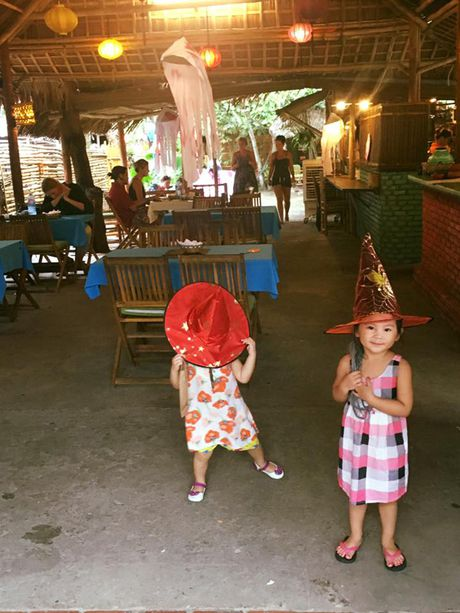 Ngoai truong Duc chung vui 'Halloween ngo nghinh' cung voi cu dan mang Viet Nam - Anh 6