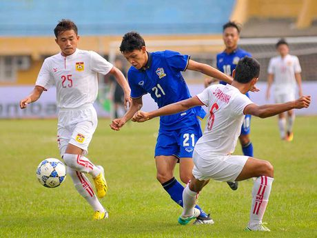 Truyen thong Thai 'dieu tra' U-19 Viet Nam - Anh 3
