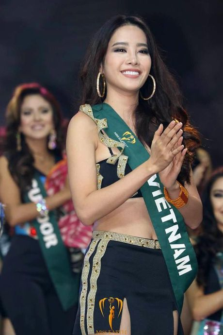 Vi sao Nam Em truot top 4 Hoa hau Trai dat? - Anh 8