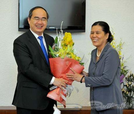 Trao quyet dinh nghi huu cho nguyen Chu tich Hoi LHPN Viet Nam - Anh 2